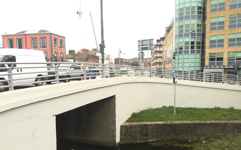 P Mac Dublin bridge cleaning - Charlemont bridge repaired and repainted