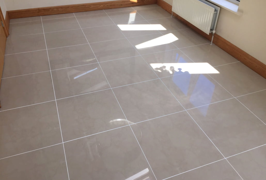 Colour seal finish on tile grouting