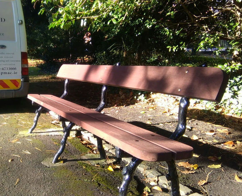 Benches painted at Palmerston Park
