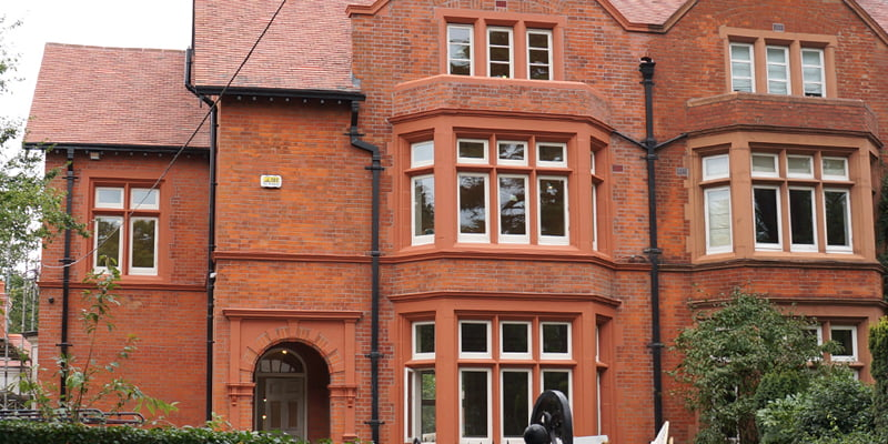 How to repair red brick facades