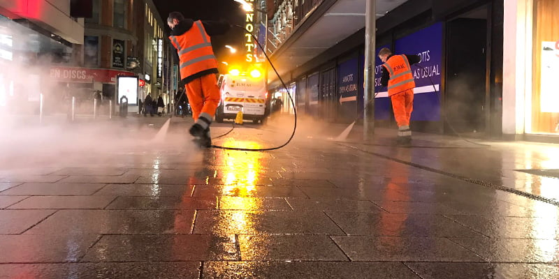 P Mac gum removal service at night
